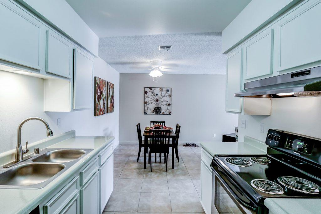 Clovis Apartment Group Sierra Meadows Apartments And